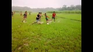 পিটুয়ার ছেলেদের ফুটবল খেলা না দেখলে মিস করবেন।Kishuregonj Pituya 2016
