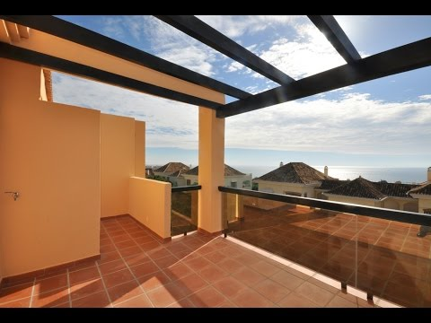 Beachside Penthouse for sale with Stunning sea views in Elviria,Marbella