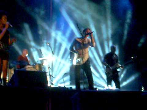 James Morrison - Broken Strings (Live in Lucca)