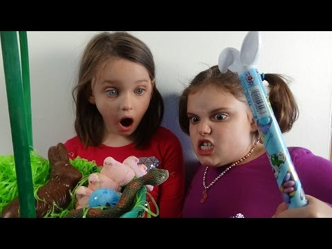 """Snake In Easter Basket Attacks Spatula Girl """"Toy Freaks Victoria Annabelle"""""""