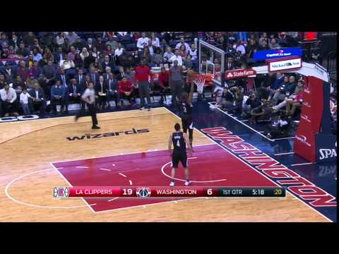 Chris Paul Throws Down a Dunk vs. the Wizards 12-28-15