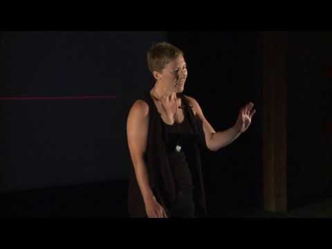 Picturing pregnancy: Meredith Nash at TEDxHobart