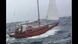Classic Timber Yacht vs Comfortina 32 in 25 knots