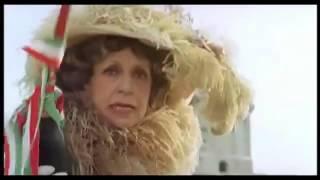 Fantozzi - Il varo con la Contessa Serbelloni Mazzanti Viendalmare