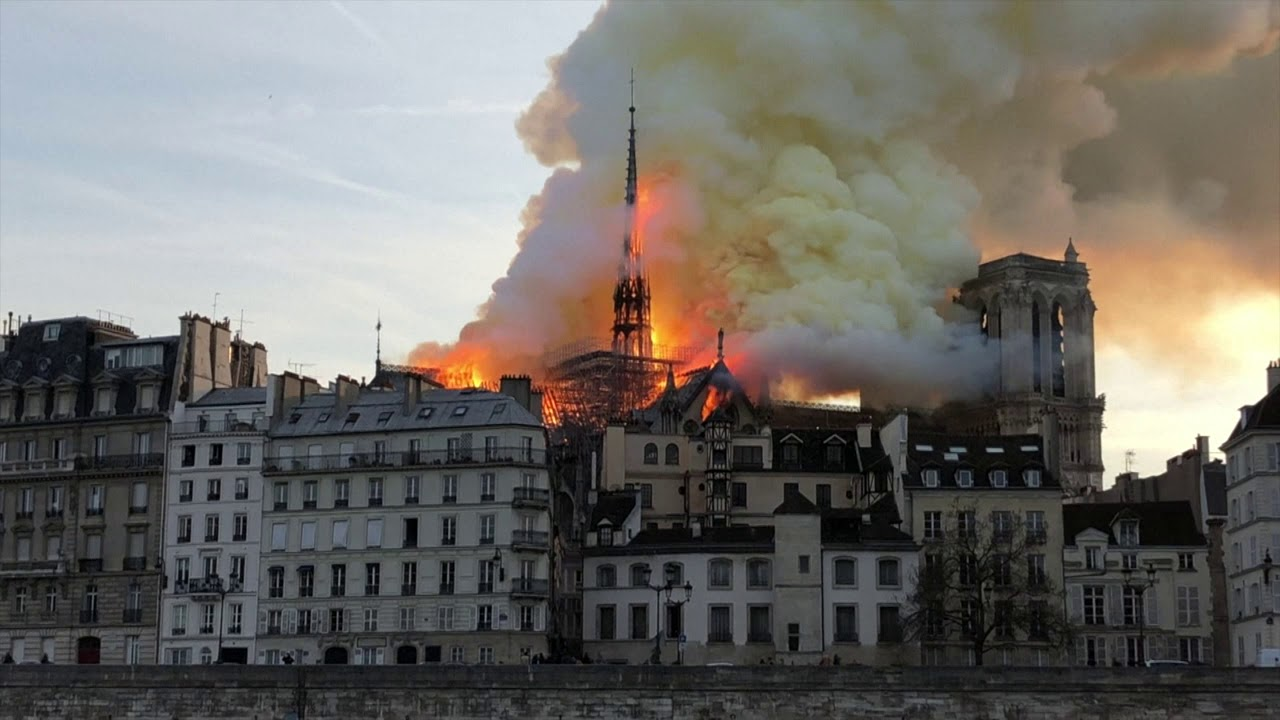 Footage shows early stages of the Notre Dame cathedral fire