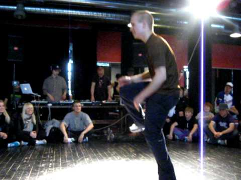 Tero (Deep Forest Dealers) vs. Matti - Battle for Middle-Earth 2010