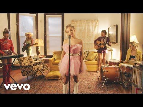 MacKenzie Porter - Unlonely Me (Lyric Video)