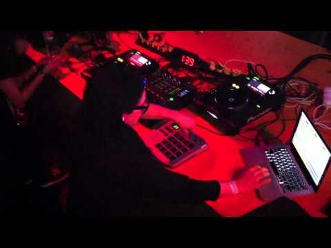 Skrillex - Studio 2011 - Budapest