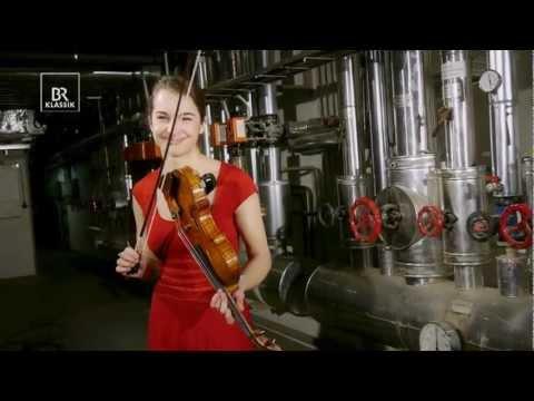 Die Geigerin Alina Pogostkina im U21-Verhör - BR Klassik