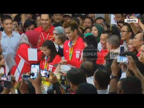 Live Report - Breaking News: Ribuan Orang Sambut Para Atlet Olimpiade Rio di Gedung Kemenpora Mp3