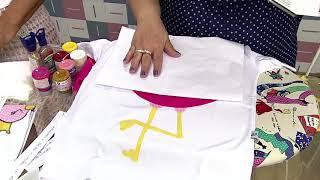 Linda camiseta com um flamingo em patchwork