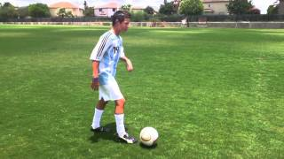 How To Do A Stop Start / Pull Back Push In Soccer
