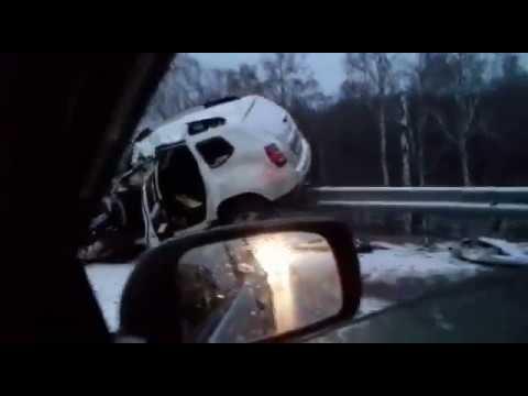 Страшная авария на Алтае: автобус и две иномарки