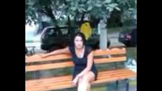 неадекватная девушка на красногвардейской