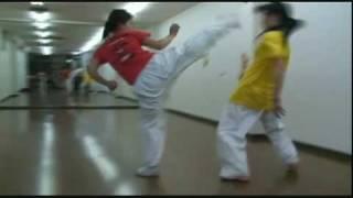 蹴り合い!女子高生 vs 女子高生! 小林由佳 検索動画 23