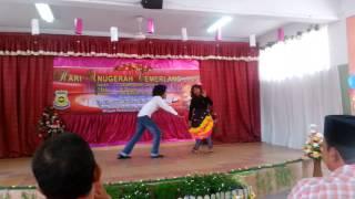 Download lagu Parodi Dok Mano by Tahun Enam SK Bandar Tun Razak 1 (Hari Anugerah Cemerlang 2013)
