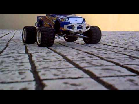 Mini Bull Atomic Stock Engine with Lithium Ferrite baterys.mp4