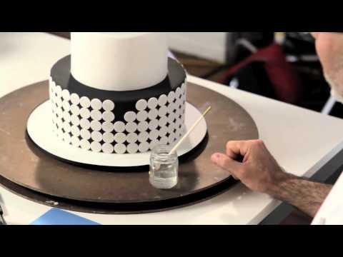 Ron Ben-Israel Decorates With Black Satin Ice Fondant