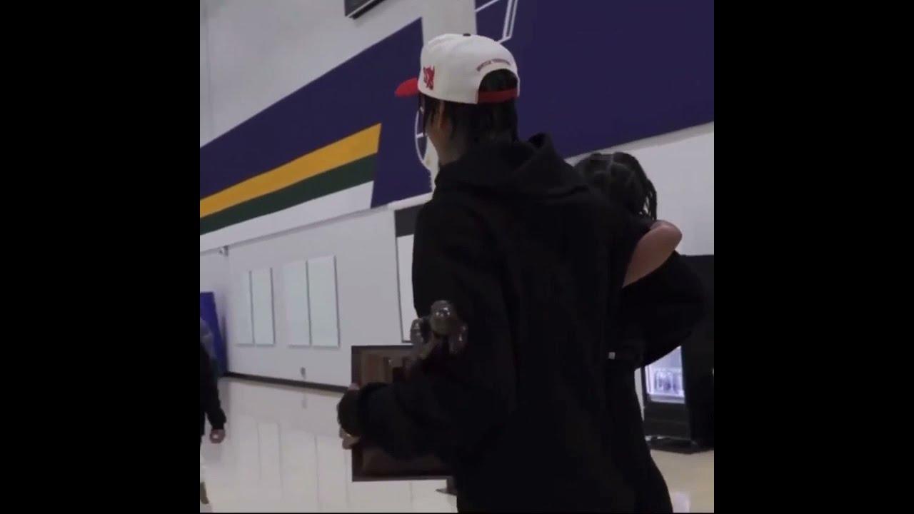 Jordan Clarkson at kanyang pamilya nagbunyi matapos hirangin bilang sixth man of the year sa NBA