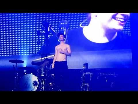Brendon Urie PRANKS Fall Out Boy Tampa 2013