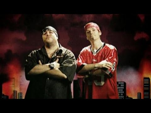 Flaminio Maphia feat. Max Pezzali - La mia banda suona il rap (Official Video)