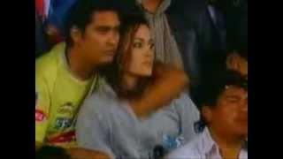 Repeat youtube video Tocando a una chica en los estadios xD