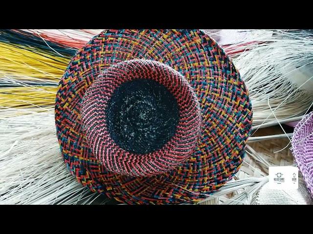Tejido de sombreros de paja toquilla en Llacao - Cuenca