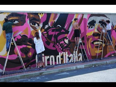Albenga il Murales del Giro d'Italia 2015
