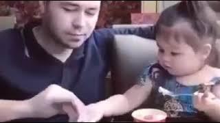 اللي مخلفشي بنات Mp3