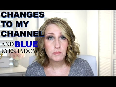 CHAROTTE TILBURY STARRY EYES TO HYPNOTISE BLUE EYESHADOW EVENING LOOK OVER50 thumbnail