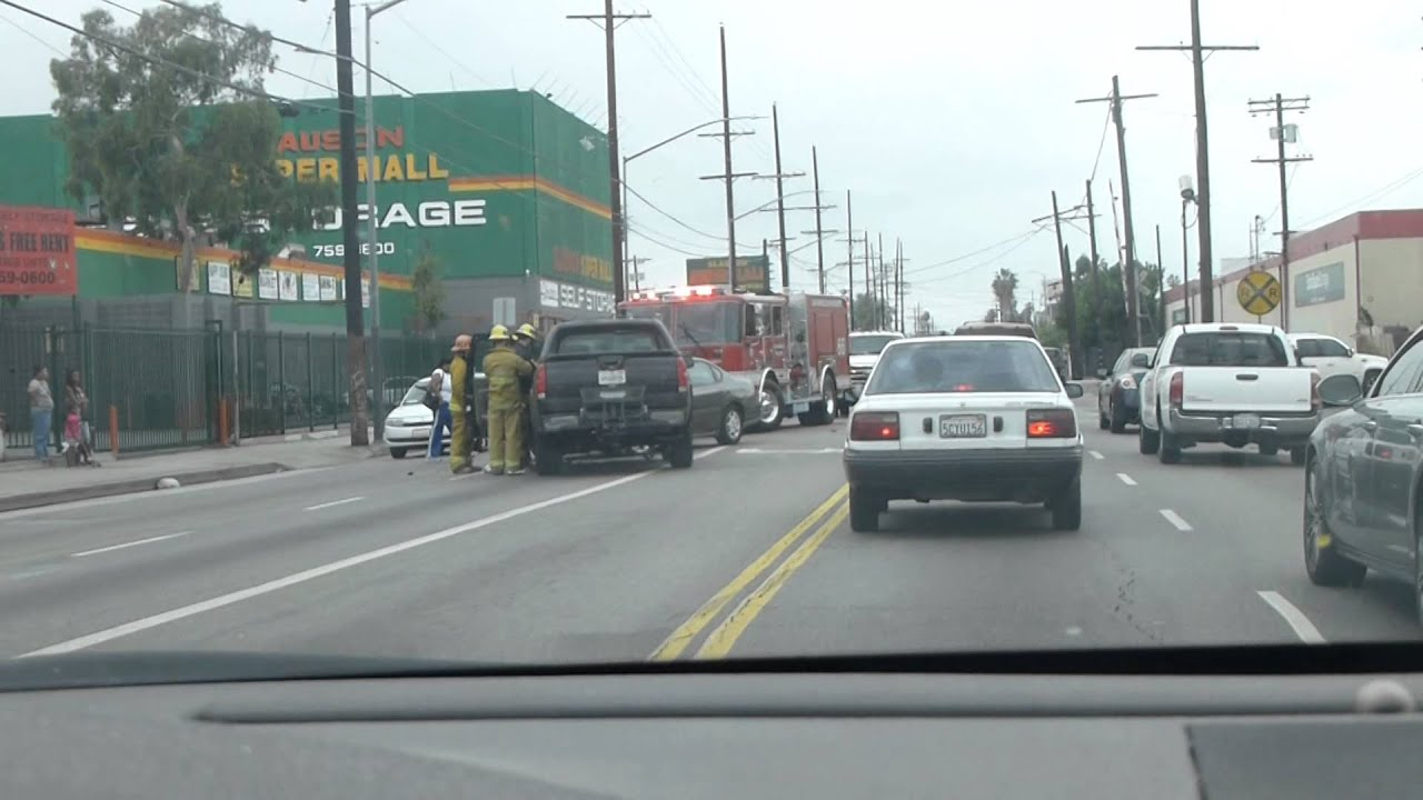 Accident on slauson blvd by the super mall in south la for Jewelry slauson swap meet