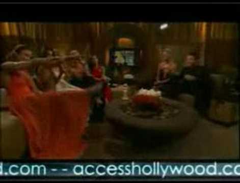 The Desperate Housewives Sing Karaoke