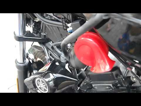 HELLA™ RED TWIN TONE™ ON YAMAHA FZ16