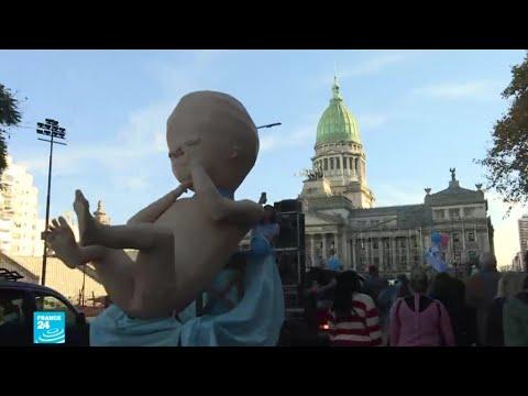 المرأة والإنجاب.. جدل محتدم حول الإجهاض في بولندا والأرجنتين  - 15:55-2019 / 8 / 9