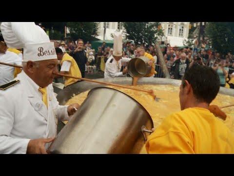 Belgium's giant omelette festival defies tainted egg scandal