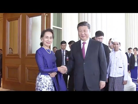 Xi Jinping meets State Counsellor Aung San Suu Kyi in Myanmar