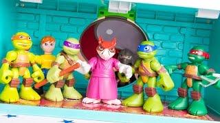 Teenage Mutant Ninja Turtles Half Shell Heroes Super Sewer HQ Leonardo Raphael Michelangelo Don