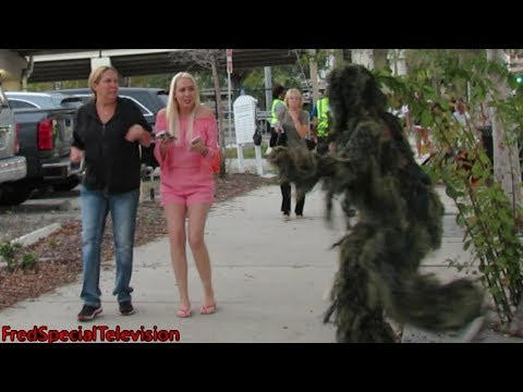 BUSHMAN PRANK AT TIM McGraw and FAITH HILL...
