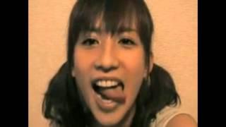 グラビアアイドル・優木まおみの「秋葉原駅前でライブをやってみよう!...