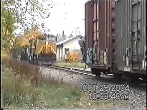 CSX B778 Meets UP Coal Train in Lacona NY 10-25-2004