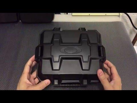 aac5558d9d Oakley Strong Box Eyewear Array Case - YouTube