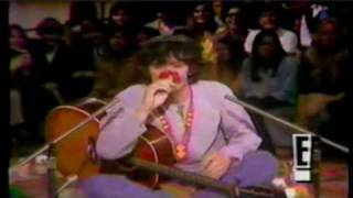 Donovan sings &quotLalena&quot and &quotHappiness Runs&quot 1968