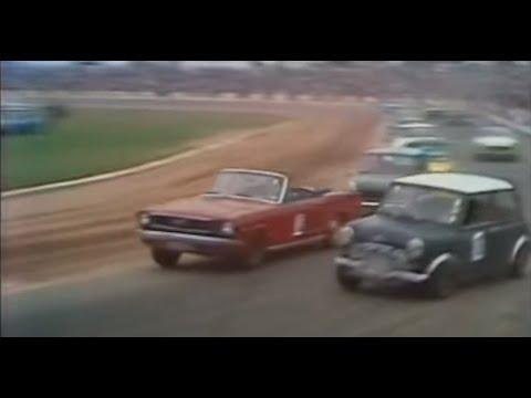 Production car race 1975