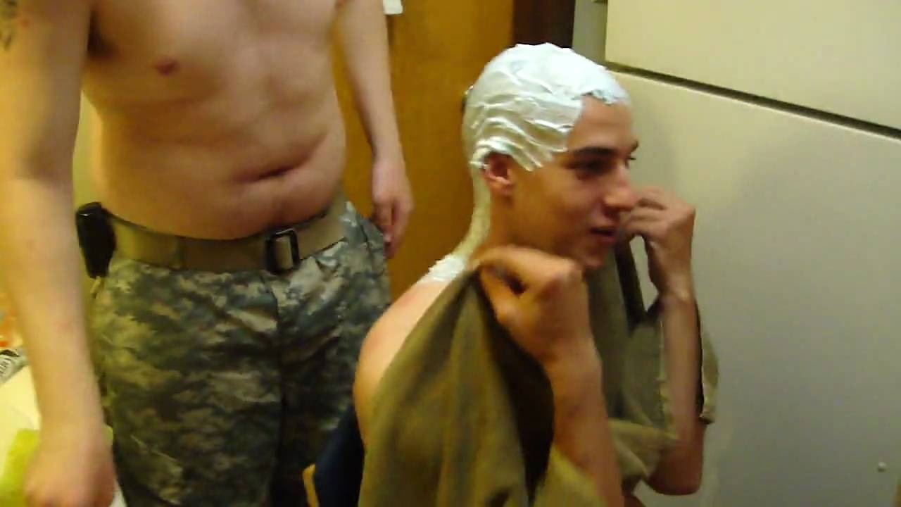sexy men shaving naked