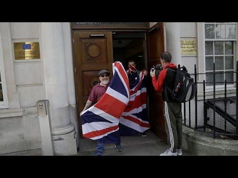 Streit über Brexit-Abkommen - Premier Johnson droht Rebellion in eigenen Reihen