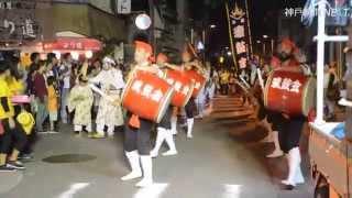 沖縄の旧盆行事で行われる「道ジュネー」。先祖を供養するため踊りや演...