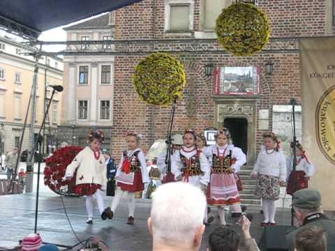 Children in Krakow doing Polish Folk Song & Dance