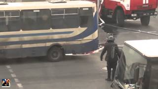 Запретное видео! Беркут несет обезглавленное тело майдановцам! Заборонене відео! Беркут несе безголо(Подписывайтесь на канал, будьте в курсе новостей https://www.youtube.com/channel/UCdY-YiUkV_7XA-qVP8Yw_Cg, и обязательно ставьте..., 2015-02-09T19:25:52.000Z)