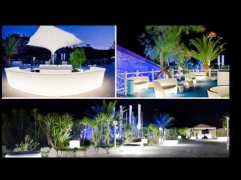 Mesas altas c ctel con luz barras de bar iluminadas con for Jardineras iluminadas