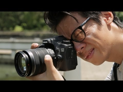 Canon EOS 70D Hands-on Review (filmed with a 70D)